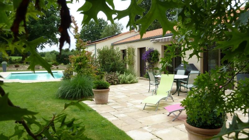 paysagiste aux herbiers cr ateur d 39 espaces vert en vend e jeanni re paysages. Black Bedroom Furniture Sets. Home Design Ideas